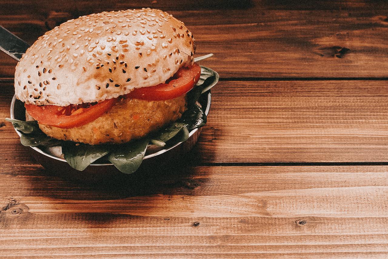 Fleischersatz veganer Burger Tofu vegan essen